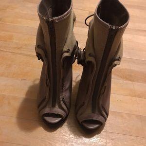 🔥2/$40🔥 Aldo Leather Stiletto Heel Booties
